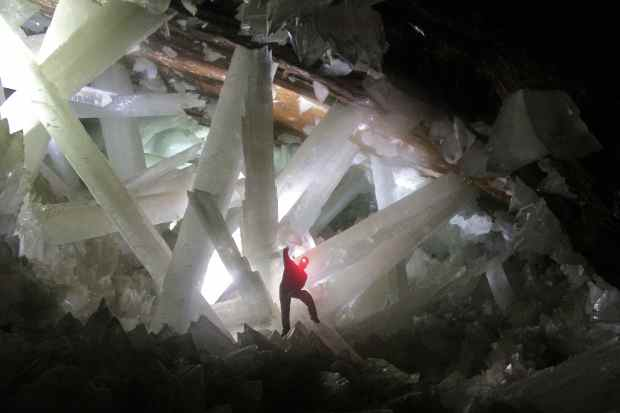 Cave-of-the-Crystals-Naica-Mexico-Giant-Crystals-Expedition-Red-Light