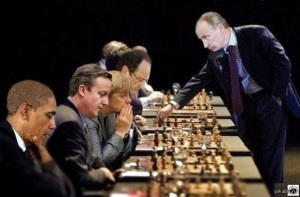 Russia-Putin-plays-chess