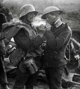 Christmas-Truce-Many-of-the-soldiers-chose-to-exchange-presents-such-as-cigarettes-and-plum-puddings